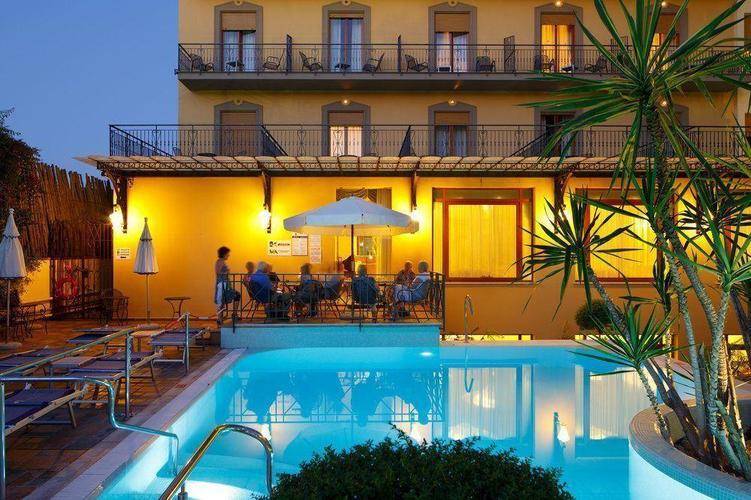 Zi Teresa Hotel