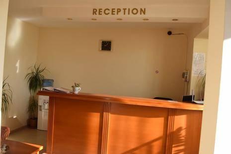 Chris Family Hotel