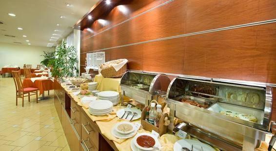 Ramada Airport Hotel