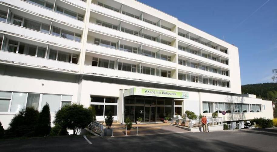 Akademik Behounek Hotel