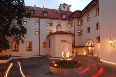 Augustine Hotel