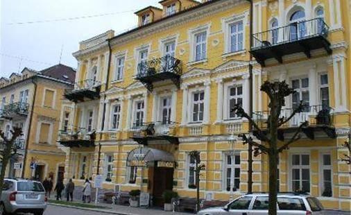 Palace Il Hotel