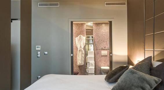 Tour D'Auvergne Hotel