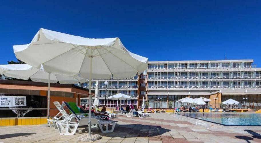 Arena Hotel Holiday (Ex.Holiday Hotel)