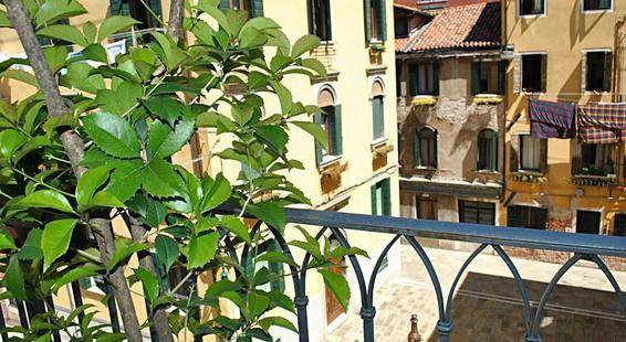 Capri Carlton Hotel