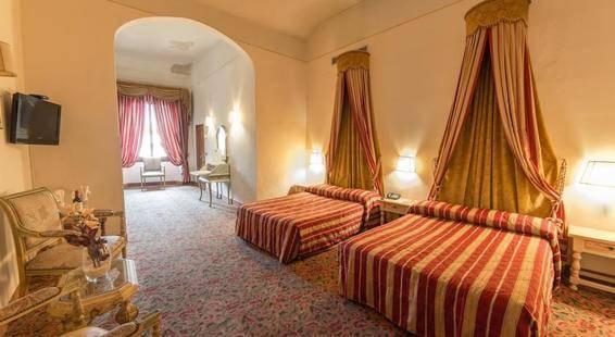 Paris Hotel