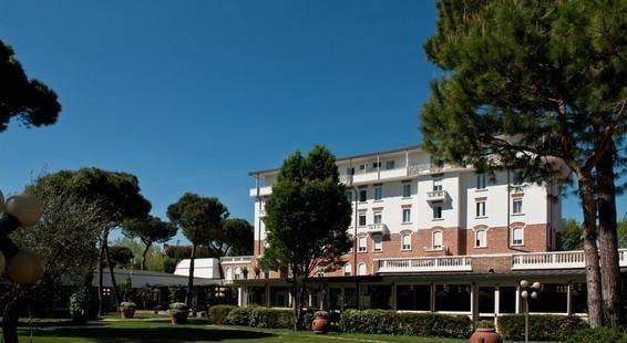 Mare E Pineta Hotel