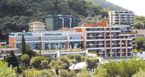 Maestral Apartments