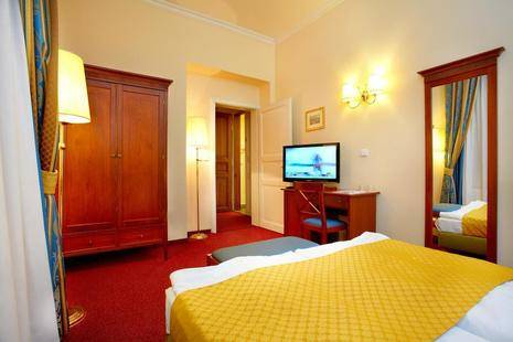 Louis Leger Hotel