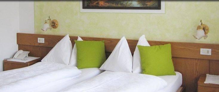 Azola Hotel