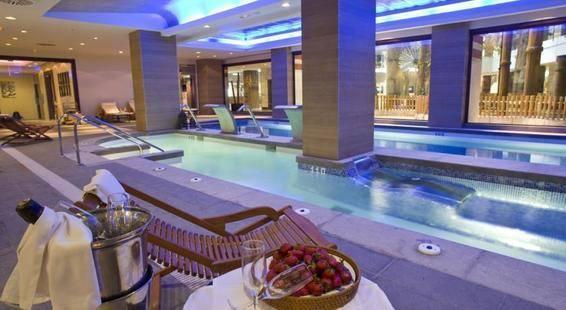 Holiday Polinesia Hotel