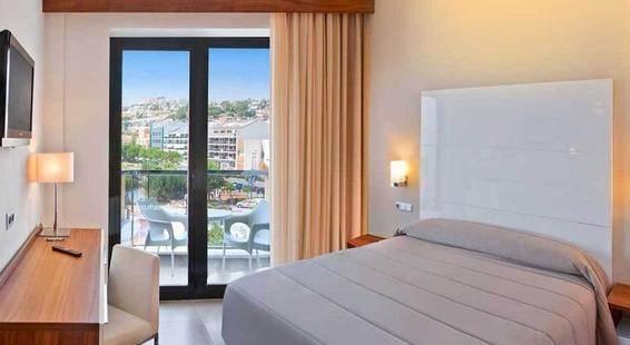 Rh Portocristo Hotel