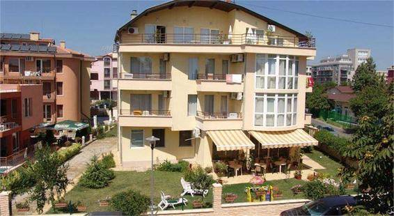 Jussi Family Hotel