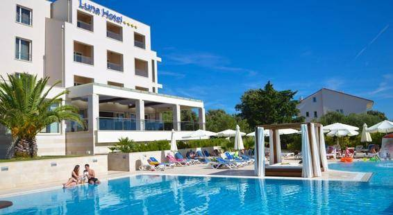 Luna Island Hotel