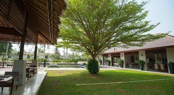 Aka Resort & Spa
