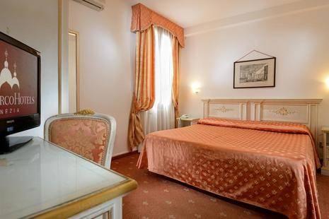 Ambassador Tre Rose Hotel