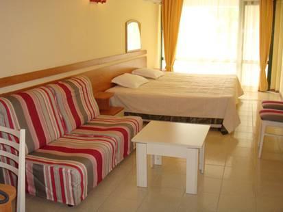 Amfibia Beach Hotel