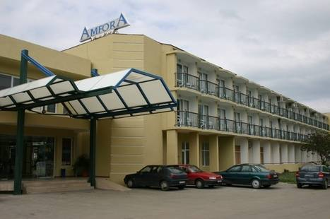 Amphora Beach Hotel