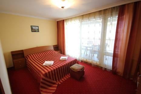 Отель Янаис