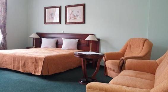 Ester Hotel