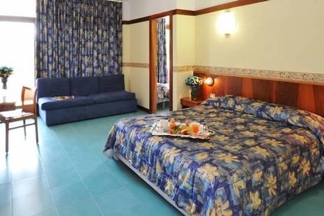 Palme Royal Suite Hotel