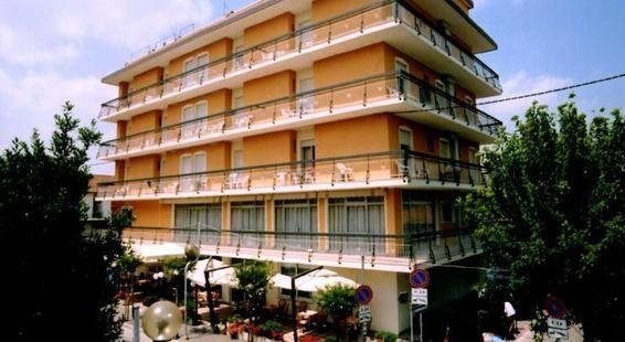 Ribot Hotel