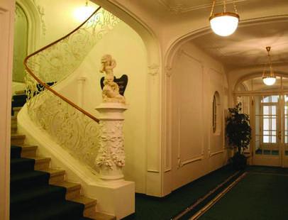 Tri Lilie Hotel