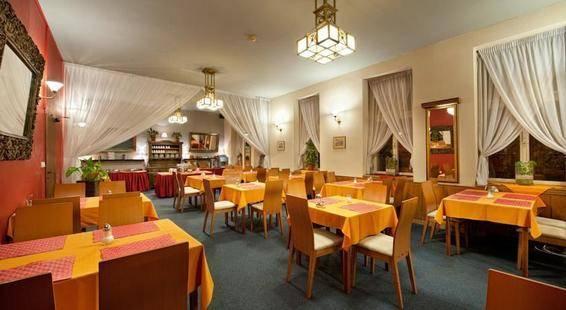 Aron Hotel