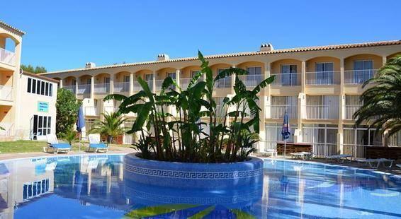 Cala Tarida Hotel