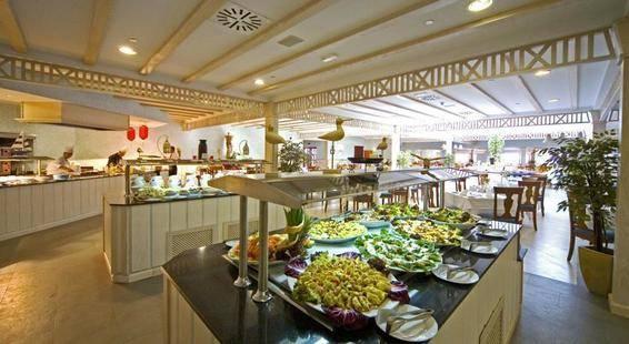 Gran Castillo Resort & Spa