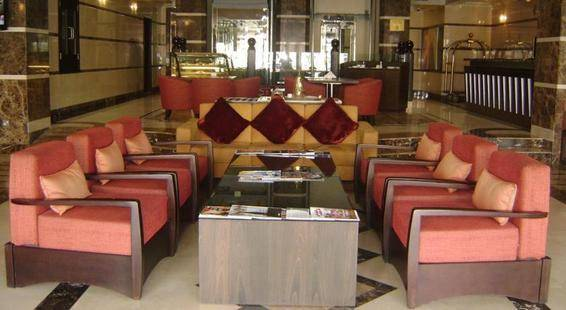 London Crown Hotel