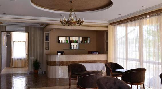 Отель Маэстро