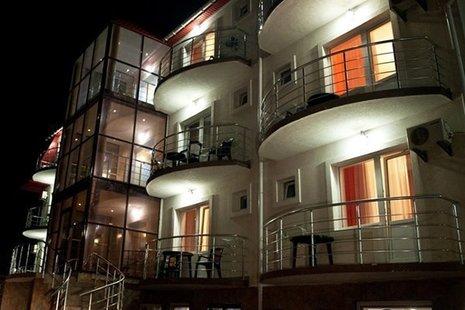 Отель Камилла
