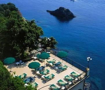 Porto Roca Hotel