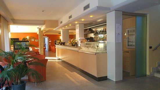 Miriam Hotel