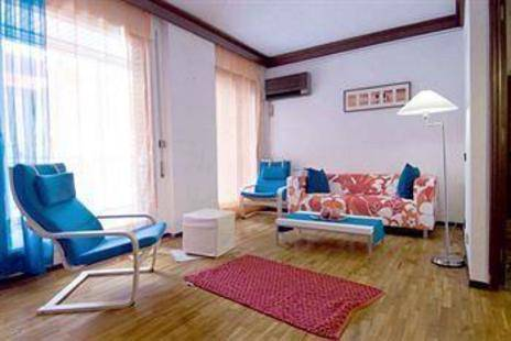 Valencia Apartments