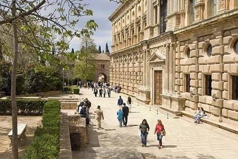Ibis Granada