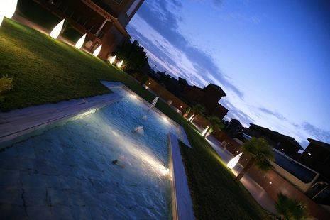 Ah Granada Palace