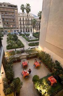 Joli Hotel