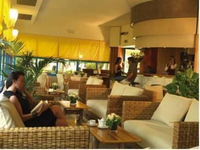 Sportsman Hotel