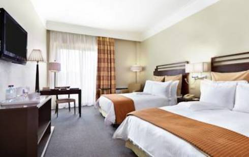 Crowne Plaza St. Peter Hotel