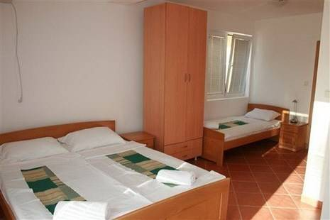 Apartments Vojnic (Ex. Panorama)