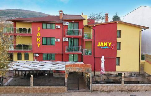 Jaki Hotel