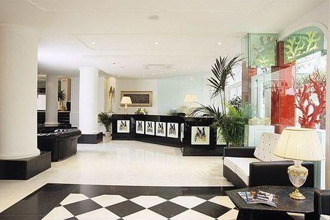 M Glamour Hotel