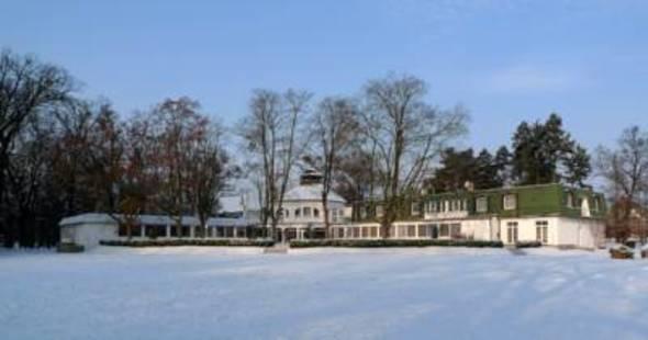 Ostrov Hotel