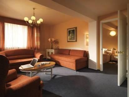 Julian Hotel