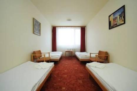 Easy Star Hotel