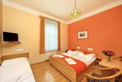 Golden City Garni Hotel