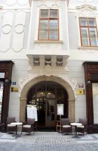 U Zlateho Jelena Hotel