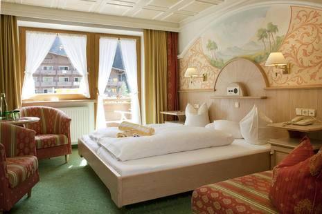 Neuhintertux Hotel